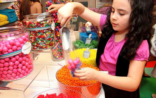 Вчені виявили вплив цукру на пам ять у дітей