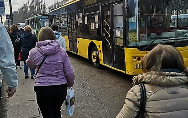 У Миколаєві утворився транспортний колапс