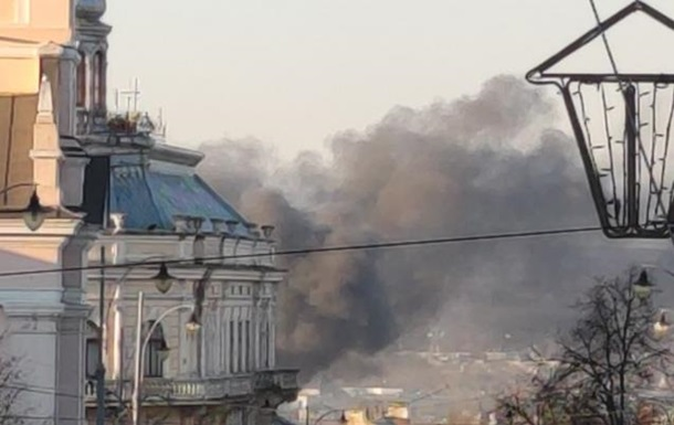 На заводі в Чернівцях сталася велика пожежа
