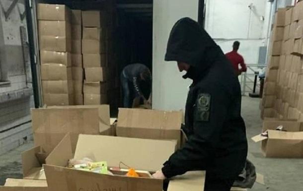 В Україну намагалися ввезти велику партію контрабандного одягу