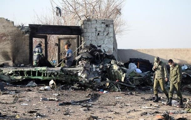 За збитий рейс МАУ пред явлено 10 підозр