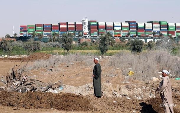 У Єгипті назвали ймовірну причину інциденту із судном, що сіло на мілину