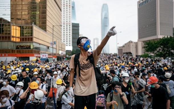 Тільки патріоти Китаю. Гонконг втратив автономію