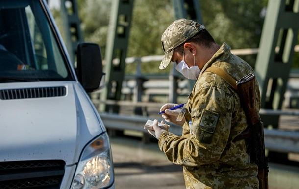 На украинско-польской границе образовалась очередь из сотен авто