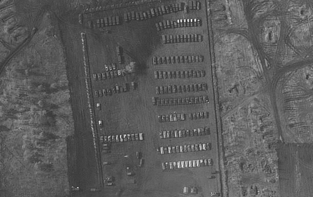 Опубліковані фото військового табору РФ біля України