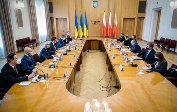 Стягнення військ: Польща пообіцяла Києву підтримку
