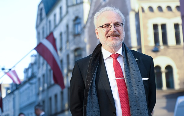 Президент Латвии стал участником ДТП в Риге