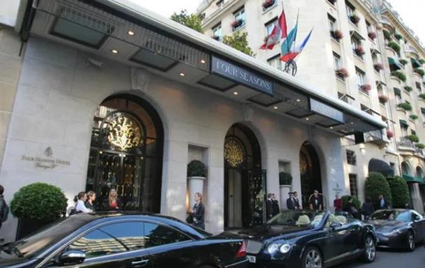 У Парижі пограбували  найкращий у світі готель