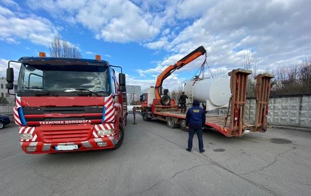У Київській області з незаконної АЗС вилучили понад три тонни палива