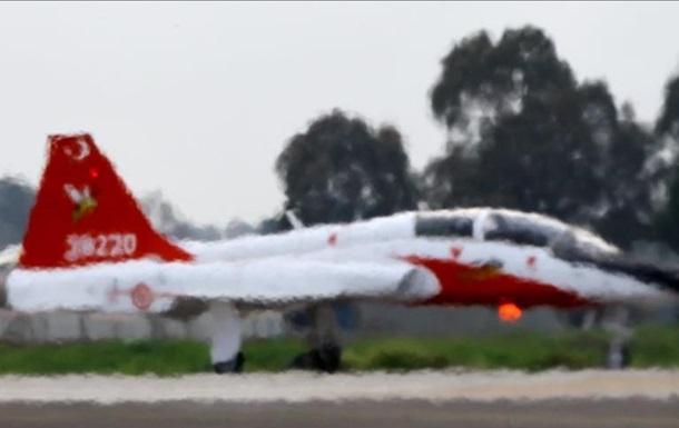 В Турции разбился второй за неделю военный самолет