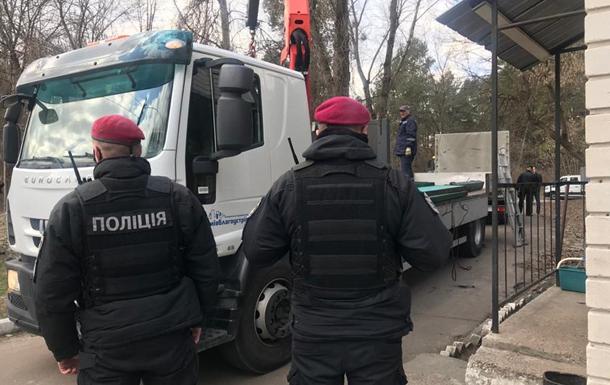 В Киеве полиция осматривает территорию охранной фирмы