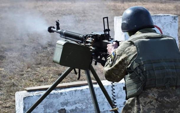 На Донбасі сім обстрілів за добу, є поранений
