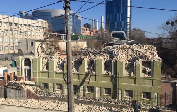 В Киеве снесли исторический дом Уткина