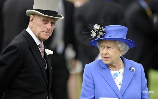 Стало відомо, як Єлизавета II переживає смерть чоловіка