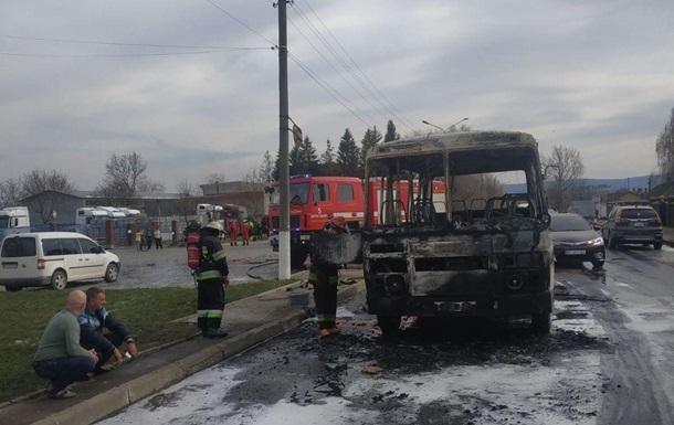 Во Львовской области сгорел автобус