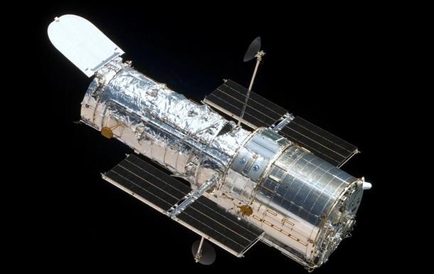 Телескоп Hubble запечатлел скопление кривых галактик