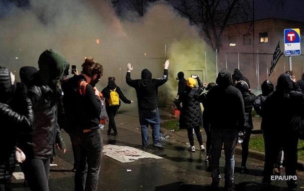 В Миннесоте протестующие громили магазины