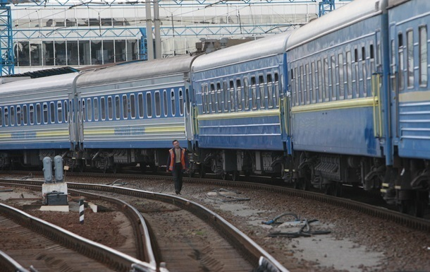 На Западную Украину отменили ряд поездов из-за низкого спроса