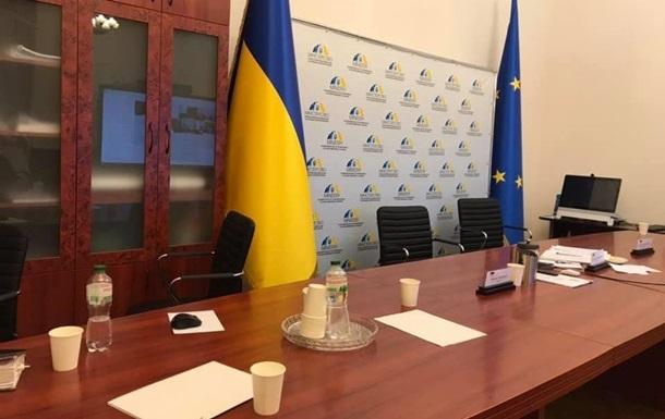 Переговоры ТКГ отменили из-за  общественного эксперта  сепаратистов