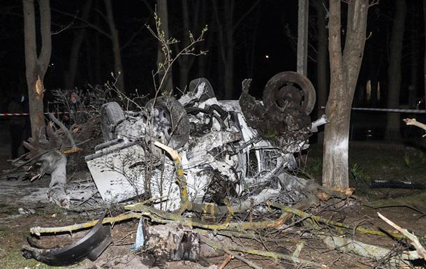В Одессе Ford вылетел с дороги и несколько раз перевернулся, есть жертвы