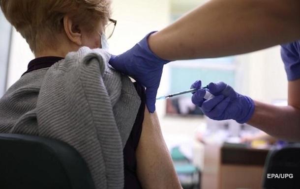 У двох областях за день жодної COVID-вакцинації