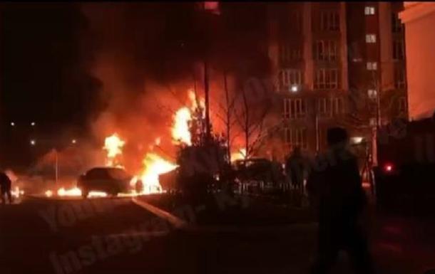 В Киеве ночью подожгли автомобиль