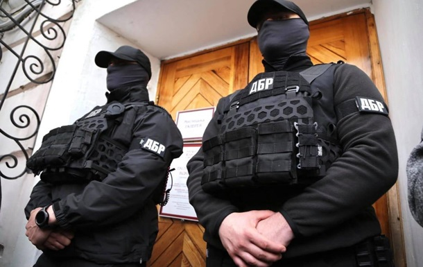 Оперативники НАБУ ведуть таємне стеження за керівництвом ДБР