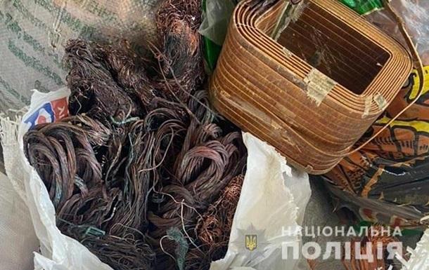 В Киеве задержали воров лифтового оборудования