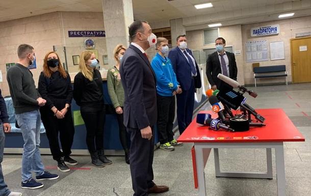 В Украине начали вакцинировать от коронавируса спортсменов