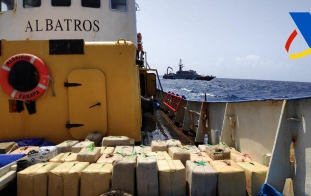 В Іспанії на судні з українським екіпажем виявили тонни наркотиків