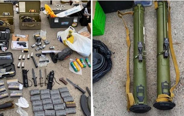 В Харькове обнаружили огромный склад оружия