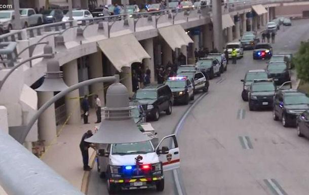 Мужчина открыл стрельбу у аэропорта в Техасе