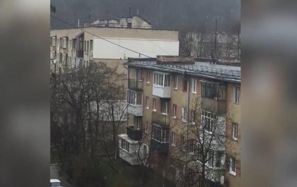 На западной Украине идут метели и снегопады