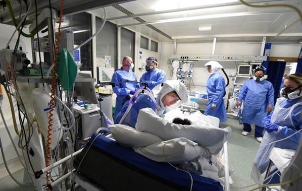 Во Франции число жертв пандемии превысило 100 тысяч