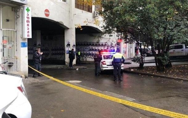 У Грузії в банк увірвався озброєний чоловік: є заручники
