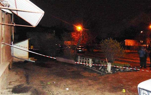 В Николаеве у подъезда дома расстреляли мужчину