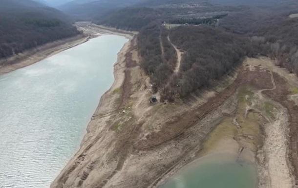 В Крыму обмелело очередное водохранилище