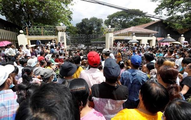 У М янмі масова амністія в язнів на честь Нового року