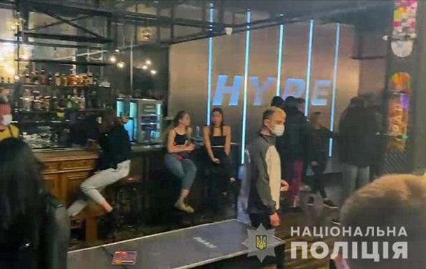 У Києві оштрафували 50 закладів за порушення карантину