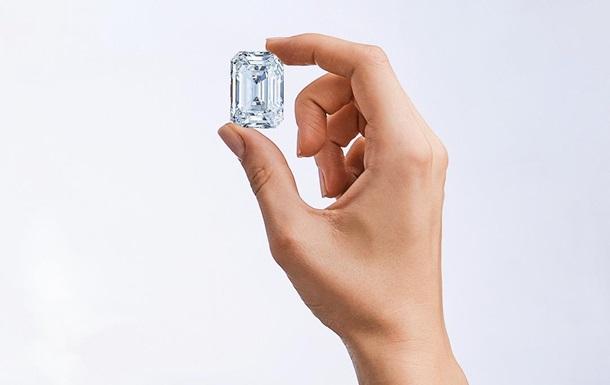 Росія продасть на аукціоні найбільший діамант