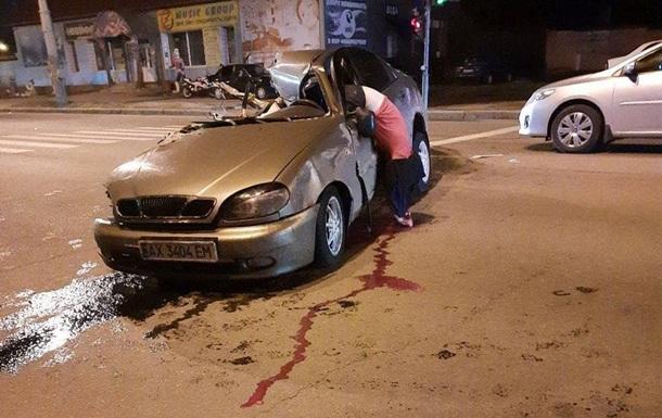 'Свисает прям с двери': в Харькове произошло смертельное ДТП