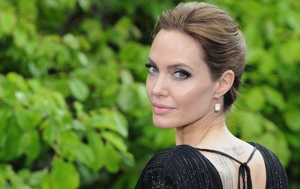 Джолі заявила, що особисте життя вплинуло на її кар єру