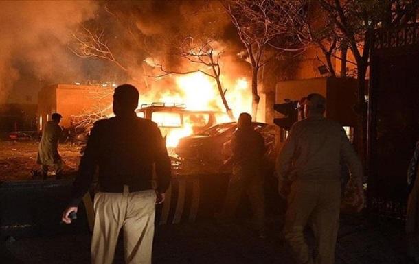 У Пакистані біля готелю стався вибух, є загиблі і поранені