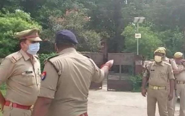 В Индии в ДТП с участием поезда погибли пять человек