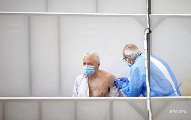 За добу COVID-вакцину отримали 14 тисяч українців