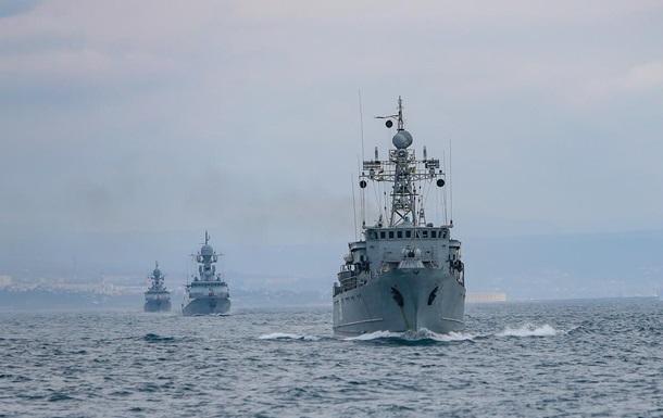 РФ начала масштабные военные учения в Крыму