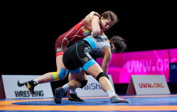 Украинки выиграли две бронзы и вышли в три финала на ЧЕ по борьбе