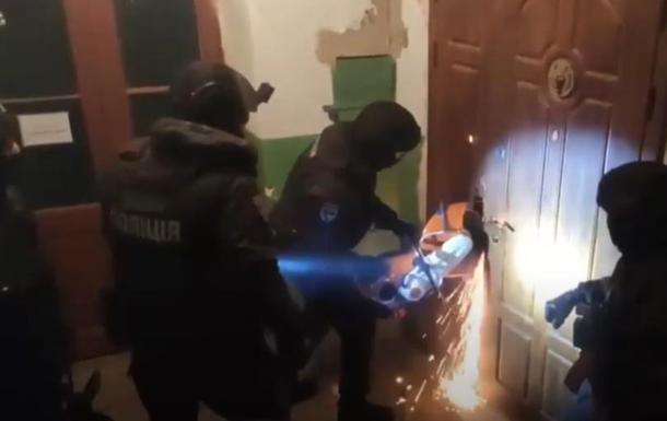 На Киевщине задержали похитителей драгоценного бриллианта