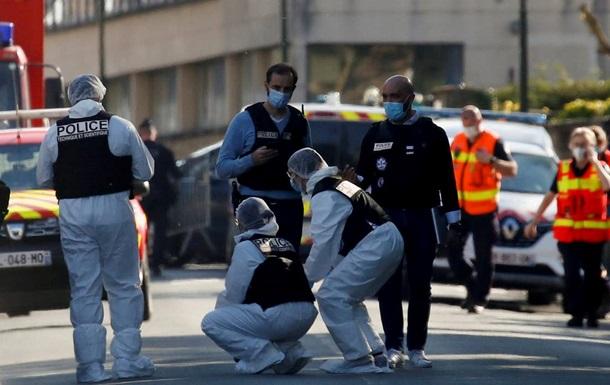 Вбивство поліцейської у Франції: затримано трьох осіб