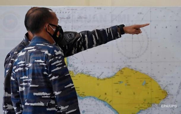 На зниклому в Індонезії підводному човні закінчився кисень